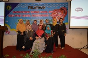 Pelatihan Mom Baby Spa di Stikes Bakti Husada Mulia Madiun