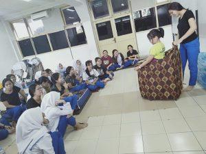 Pelatihan Mom Baby Spa di STIKes Immanuel Bandung